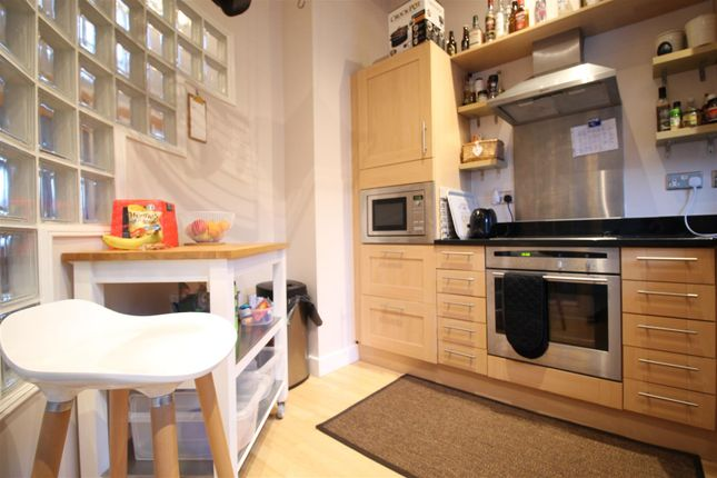 Kitchen of The Gallery, Hope Drive, The Park NG7