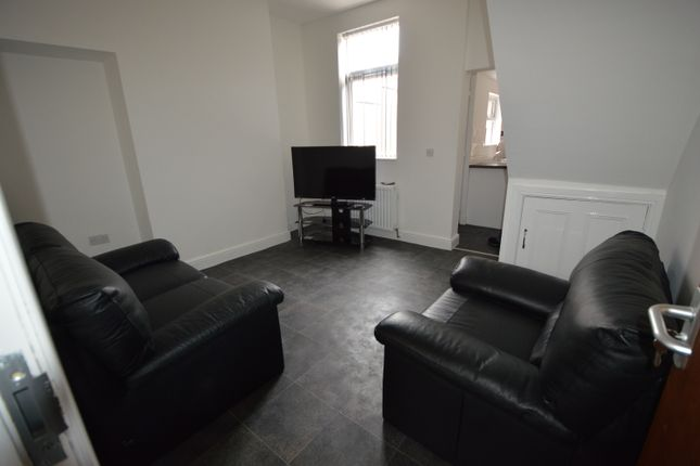 Thumbnail Terraced house to rent in Holly Street, Middlesbrough