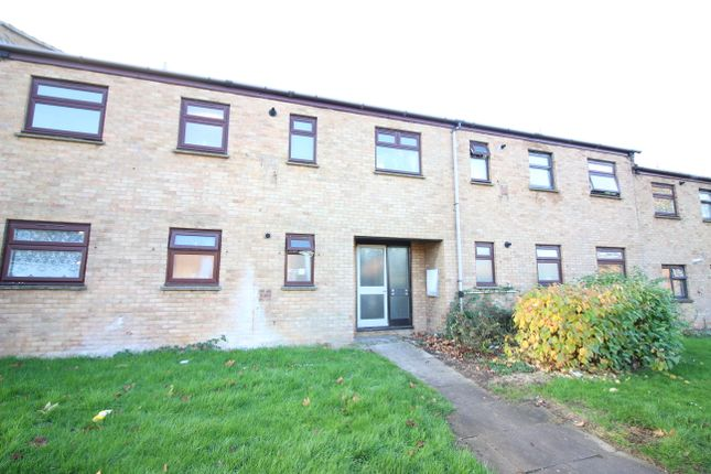 Thumbnail Flat for sale in Dunstalls, Harlow
