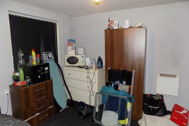 Bedroom of Hallgate, Bradford BD1
