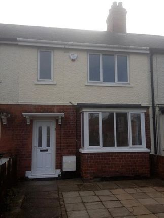 Thumbnail Semi-detached house to rent in Selbourne Road, Grimsby