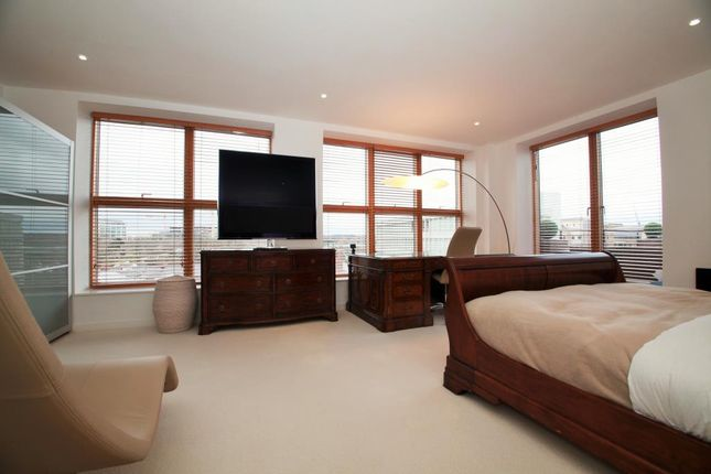 Master Bedroom of Queens Wharf, Queens Road, Reading, Berkshire RG1