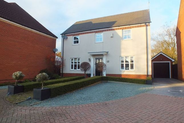 4 bed detached house for sale in Robin Close, Packmoor, Stoke-On-Trent