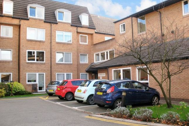 Thumbnail Flat for sale in Homebeech House Phase I, Woking