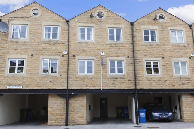Town house to rent in Union Wharf, Lower Union Street, Skipton