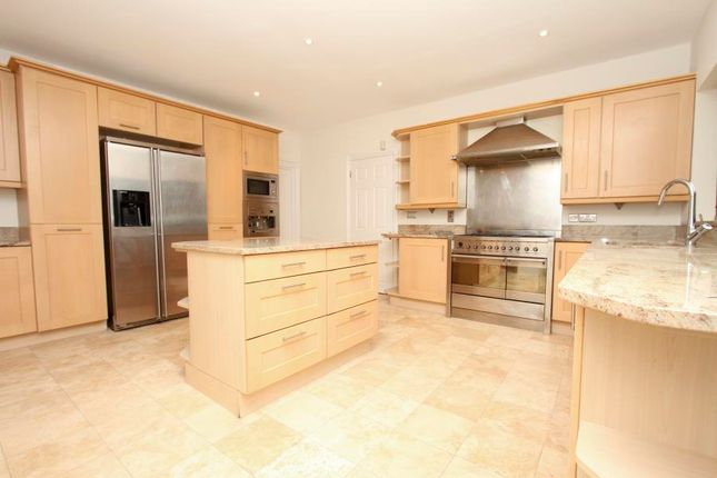 Thumbnail Property to rent in Russell Close, Northwood