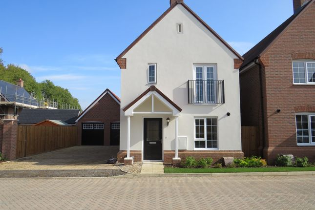 Thumbnail Detached house for sale in Coppins Close, Berkhamsted