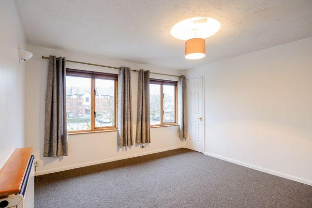 Thumbnail Flat to rent in Kilburn Lane, Brondesbury Park, London, Greater London