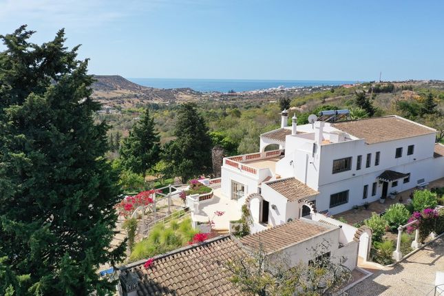 Villa for sale in Ferrel, Algarve, Portugal