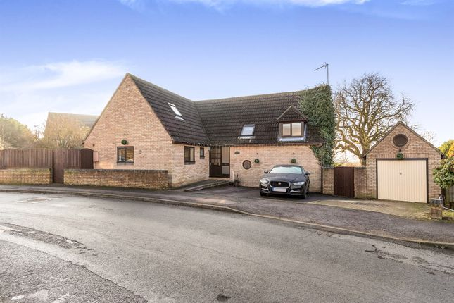 Thumbnail Detached house for sale in The Moors Drive, Middleton Cheney, Banbury
