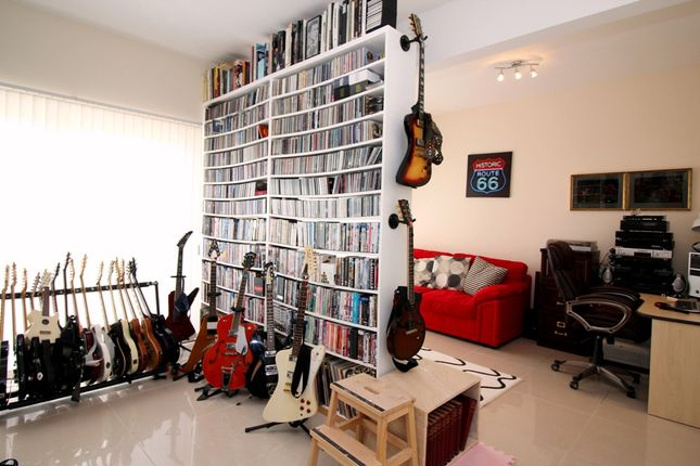 Music Room of Castlewood Avenue, Dundee DD4