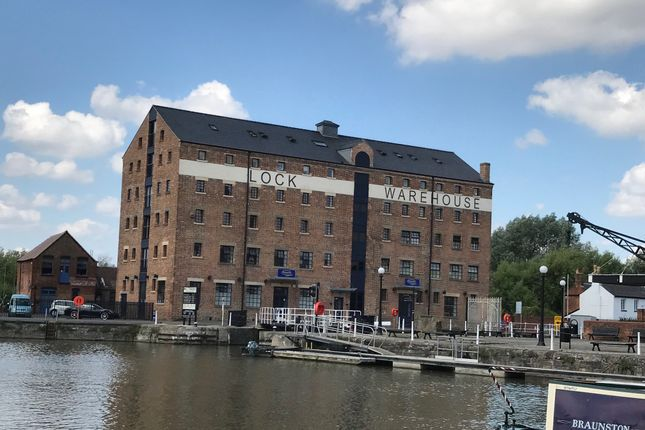 2 bed flat to rent in Lock Warehouse, Severn Road, Gloucester GL1