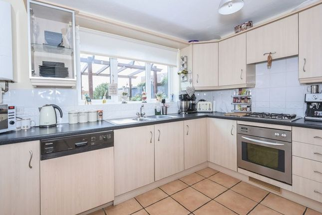 Thumbnail Property to rent in Restharrow Mead, Bicester