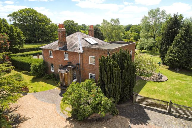 Thumbnail Detached house for sale in Bracknell Road, Warfield, Berkshire