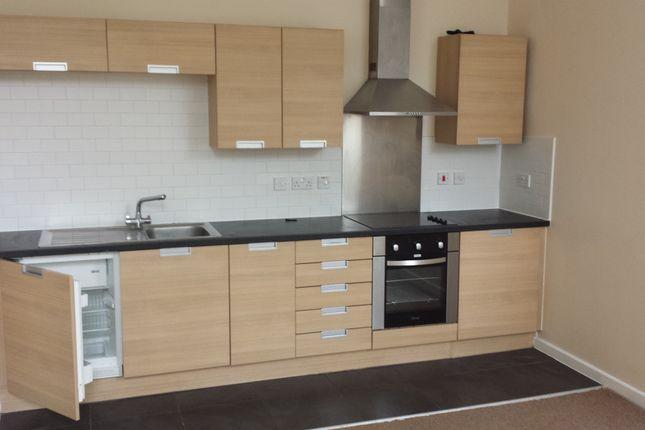 Thumbnail Flat to rent in Little Moor Road, Leeds