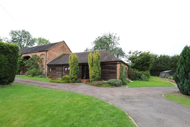 Thumbnail Barn conversion for sale in Walkers Lane, Whittington, Worcester, Worcestershire