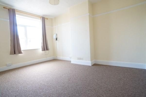 Thumbnail Flat to rent in Downend Road, Downend, Bristol