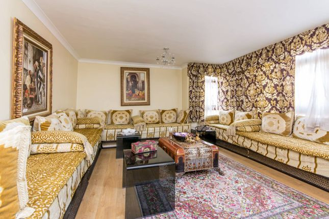 3 bed flat for sale in Finchley Road, St John's Wood