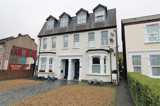 2 bed flat for sale in Parkview Road, Welling DA16