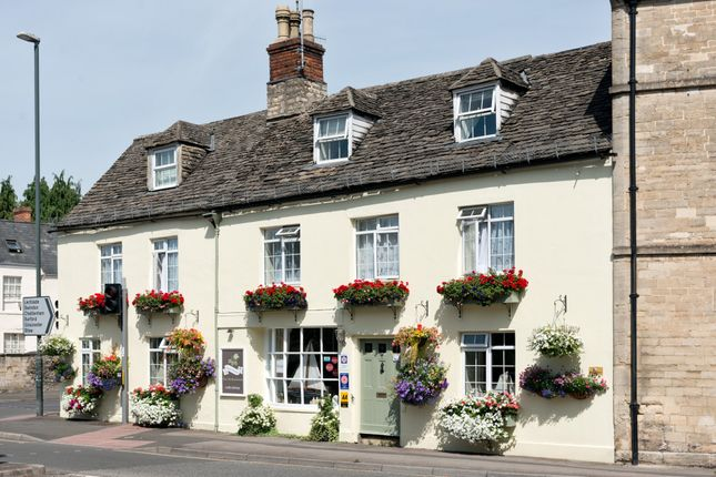 Thumbnail Semi-detached house for sale in London Road, Cirencester