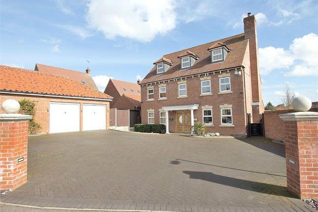 Thumbnail Detached house for sale in Flitch Green, Dunmow, Essex