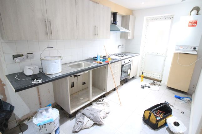 Thumbnail Maisonette to rent in Salisbury Road, Southall