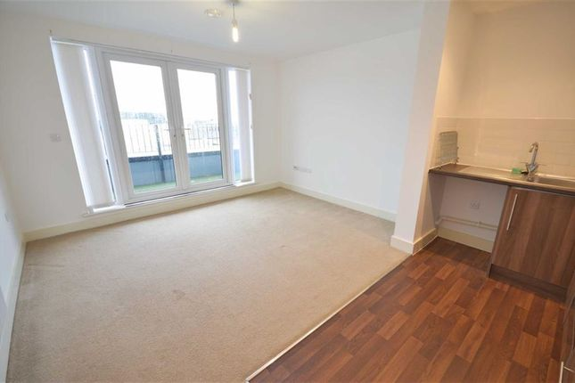 Thumbnail Flat to rent in Poplar House, 116 Phoebe Street, Salford