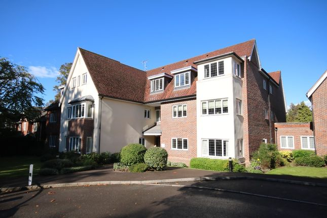 1 bed flat to rent in Epsom Road, Leatherhead KT22