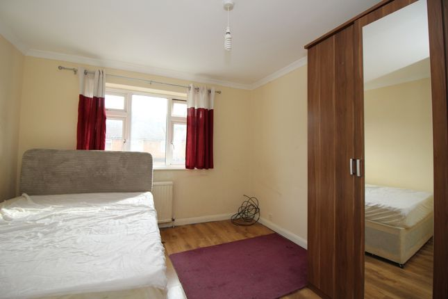 Thumbnail Room to rent in Wellington Road, Felthem