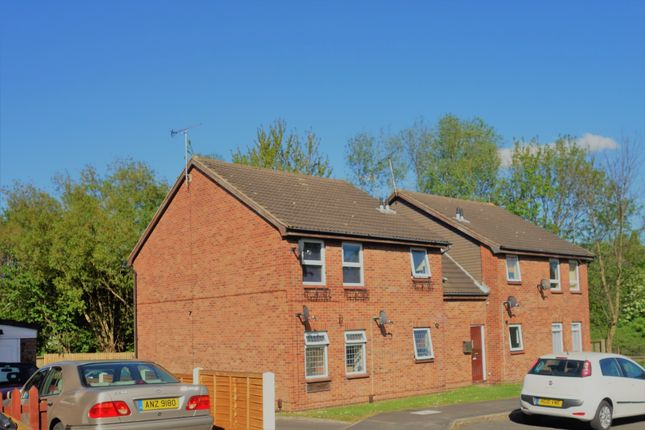 Thumbnail Flat to rent in Grange Field Way, Leeds