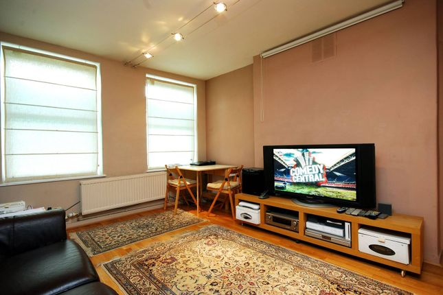 Thumbnail Maisonette to rent in Fulham Court, Fulham Broadway