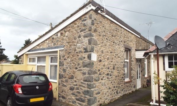 1 bed bungalow for sale in Queens Court, Penmaenmawr Road, Llanfairfechan, Conwy LL33