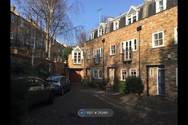 3 bed terraced house to rent in Francis Terrace Mews, London