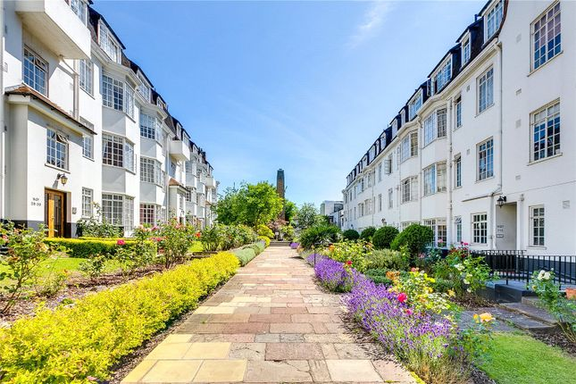 2 bed flat for sale in Wavertree Court, Streatham Hill, London SW2