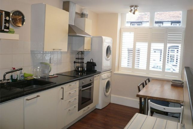 Thumbnail Flat to rent in Orchard Close, St. Andrews Road, Henley-On-Thames