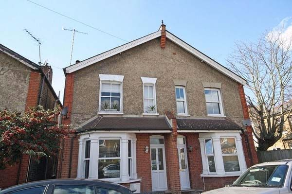 2 bed flat to rent in Dudley Road, Kingston Upon Thames