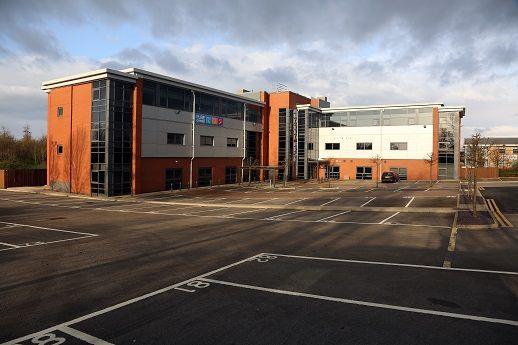 Thumbnail Office to let in Turnberry Park, Junction 27 Of M62, Gildersomem, Leeds