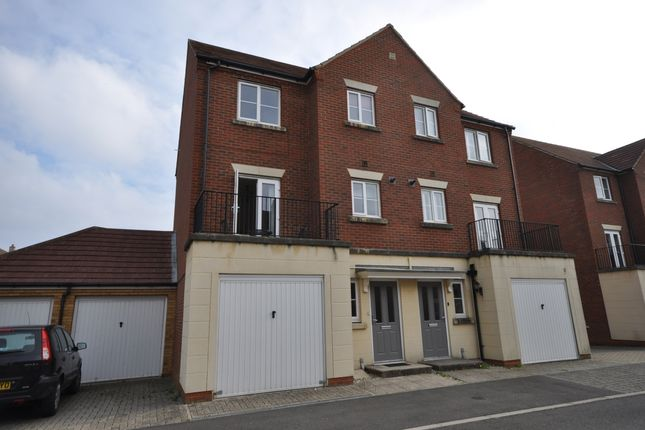 Thumbnail Town house to rent in Barley Mow View, Ashford