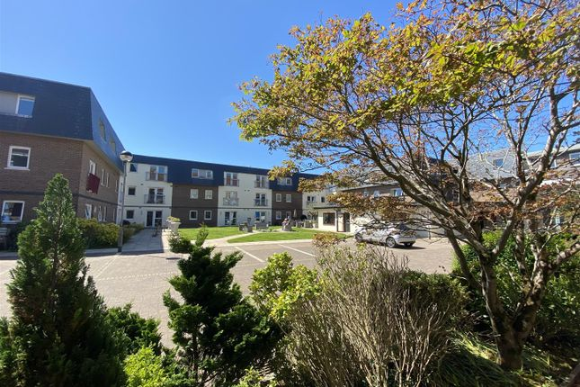 Thumbnail Flat for sale in Willow Court, Clyne Common, Swansea