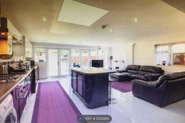 Thumbnail Semi-detached house to rent in Sandymount Av, Stanmore