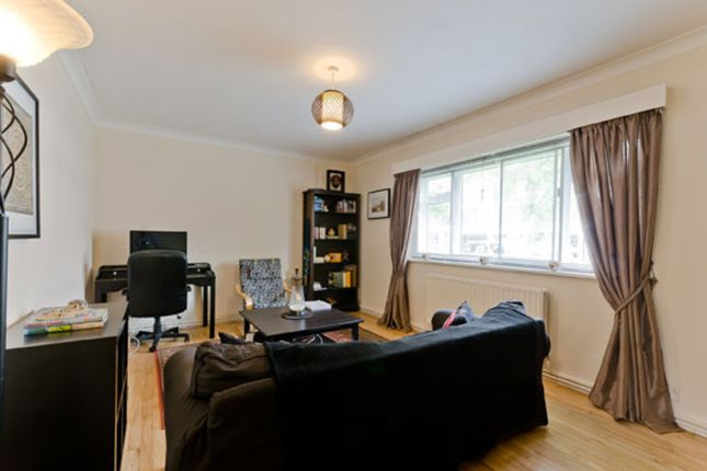 2 bed flat to rent in Kew Road, Kew, Richmond