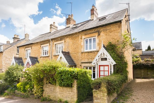 2 bed cottage for sale in Distons Lane, Chipping Norton