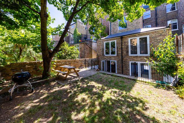 Thumbnail Flat to rent in Alexandra Grove, London