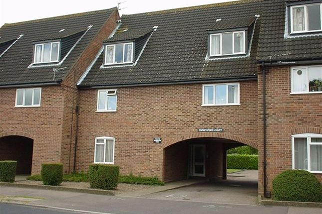 Thumbnail Flat to rent in Malbrook Road, Norwich