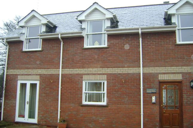 Thumbnail Flat to rent in Anstey Road, Alton