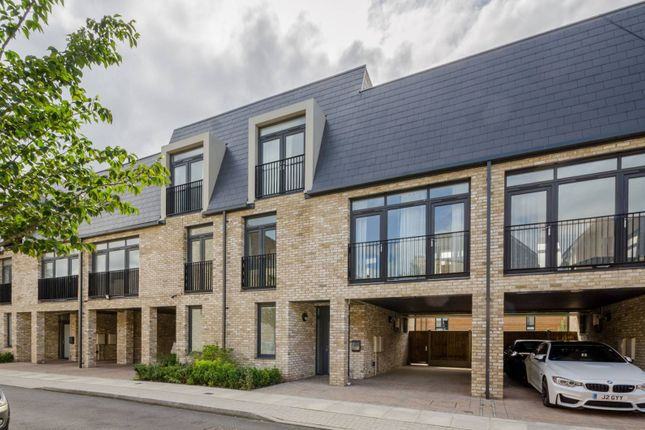 Thumbnail Property to rent in Dragons Way, Barnet