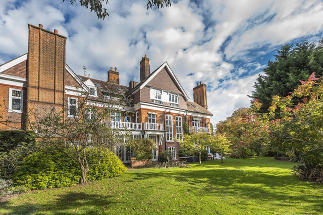 Thumbnail Property to rent in Longfield Drive, London
