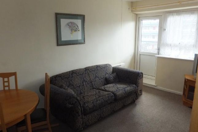 Thumbnail Flat to rent in Appleton Close, Eastend Park, Leeds