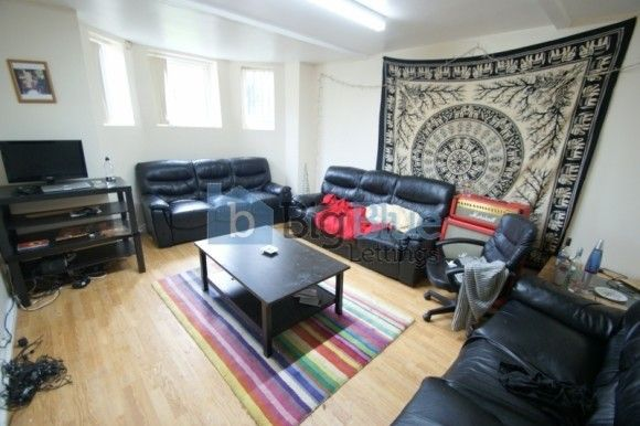 Thumbnail Terraced house to rent in 9 Regent Park Terrace, Hyde Park, Nine Bed, Leeds