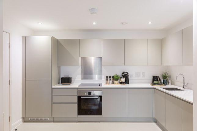 2 bedroom flat for sale in Brook Road, Borehamwood